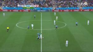 Tutaj Arévalo odbierze piłkę i rozpocznie kontratak.