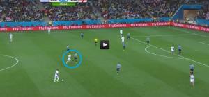 W drugiej połowie Cavani cofał się za Gerrardem daleko na własną część boiska.