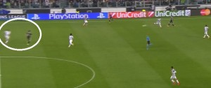 Wysokie wyjście Chielliniego na połowę przeciwnika.