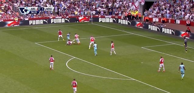 Gol na 2-0 z Arsenalem. Zaledwie 3 zawodników zaangażowanych w akcję na ostatniej kwarcie boiska.